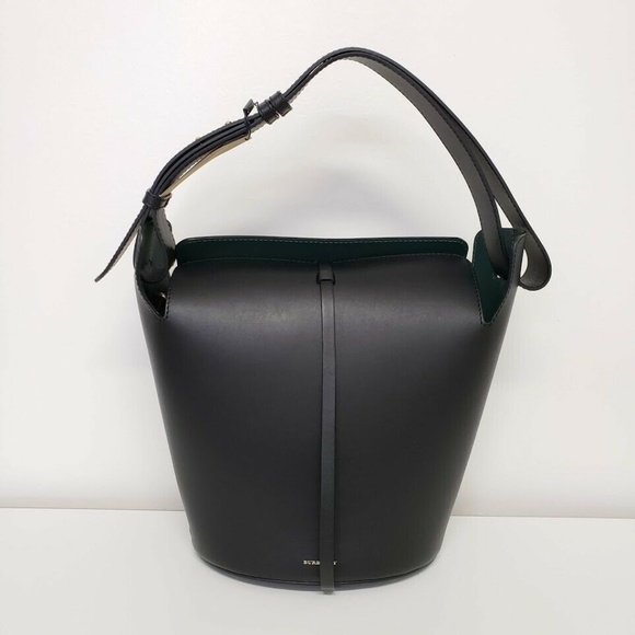 Burberry Handbags - Burberry 2019 Medium Bucket Leather Bag - Black